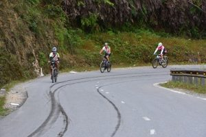 Vietnam Cycling Tour,Cycling up to Heaven Gate in Sapa